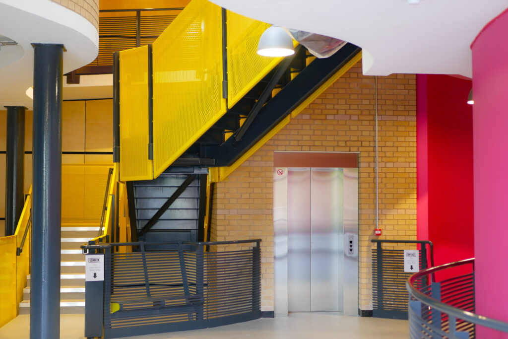 Upper foyer with Lift